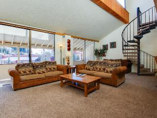 Roomy rental with a convenient location year-round! - Copper Mountain vacation rentals