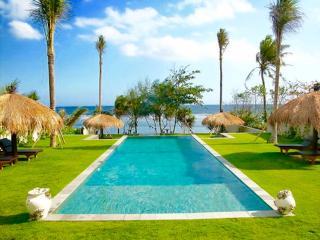 Villa Paradise Beach, Luxury 5 br beachfront villa - Tabanan vacation rentals