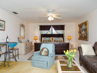 NEW LISTING! Serene on the Green-PRIVATE POOL - Boynton Beach vacation rentals