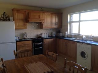Perfect 3 bedroom Bungalow in Bundoran - Bundoran vacation rentals