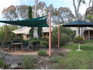 Lovely 1 bedroom Guest house in Murrumbateman - Murrumbateman vacation rentals