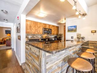 Completely remodeled Master, Guest, and Kitchen! New flooring through out! - Keystone vacation rentals