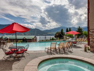 Stunning views of Lake Chelan, pool, hot tub - Manson vacation rentals