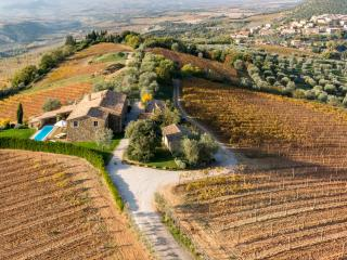 6 bedroom Villa in Montalcino, Val d orcia, Tuscany, Italy : ref 2383123 - Montalcino vacation rentals