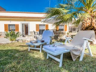 SERAFI - Property for 7 people in Port d'Alcudia - Puerto de Alcudia vacation rentals