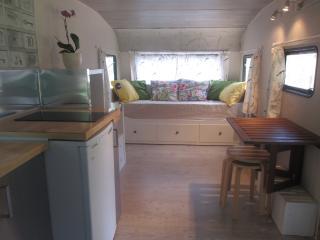 Caravana restaurada en finca privada - Infiesto vacation rentals