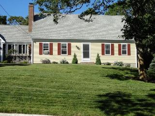 Bright 3 bedroom Harwich Port House with Deck - Harwich Port vacation rentals