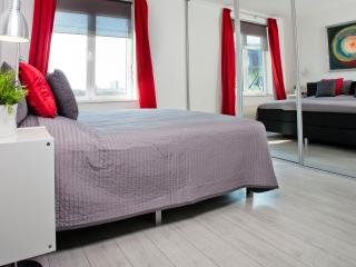 Lovely apartment near Centre&EXPO - Antwerp vacation rentals