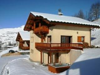 Sunny 9 bedroom Chalet in Peisey-Nancroix - Peisey-Nancroix vacation rentals