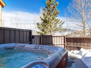 Elegant, Rocky Mountain Classic in Silverthorne – Hot Tub and Game Room! - Silverthorne vacation rentals