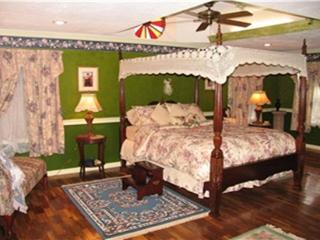 4 bedroom B&B with Internet Access in Mentone - Mentone vacation rentals