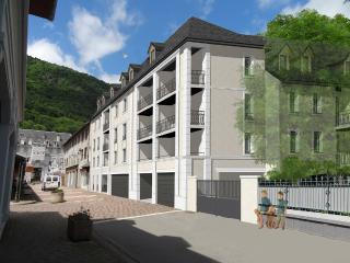 Nice Condo with Internet Access and Housekeeping Included - Luchon vacation rentals