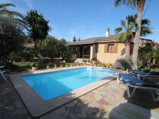 PALMA VILLA WITH PRIVATE SWIMMING POOL - Palma de Mallorca vacation rentals