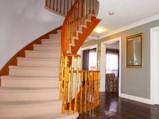 Home 10 mins to Toronto Corporate Bookings only - Toronto vacation rentals