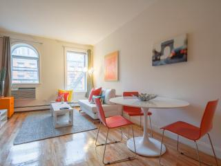 Spacious 2-bed Hell's Kitchen apt! - New York City vacation rentals