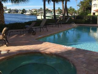 Stunning Condo on Vanderbilt  Bay, in Naples Fl - Naples vacation rentals