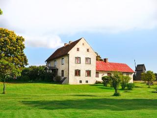 Beautiful newly renovated farmhouse from 1700's - Ljugarn vacation rentals