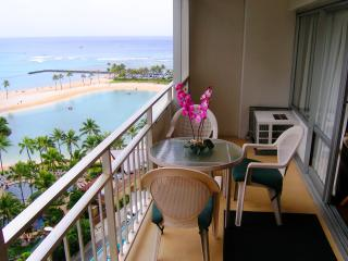 Gorgeous Beachfront Condo!Great Value all year !Fireworks View every Friday! - Honolulu vacation rentals