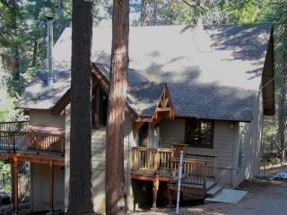 Lazy Bear Lodge - Gorgeous Blue Lake Springs Cabin - Arnold vacation rentals