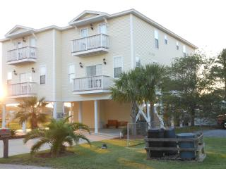 Carolina Cottage & Hideaway - Marsh Front - Murrells Inlet vacation rentals