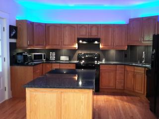 Century House - Luxury Vacation Downtown Edmonton - Edmonton vacation rentals