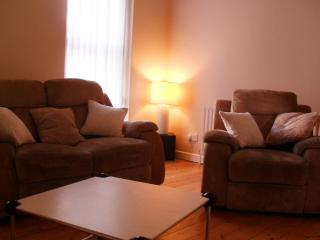 Perfect 2 bedroom Apartment in Derry with Internet Access - Derry vacation rentals