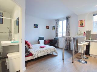 Joli studio proche Tour Eiffel - Boulogne-Billancourt vacation rentals