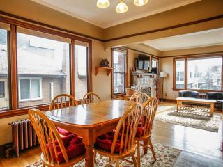 Spacious Craftsman Style Family Home Bus - Seattle vacation rentals