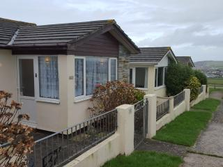 """Lazy Yew"" Widemouth Bay Holiday Village - Widemouth Bay vacation rentals"