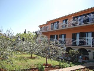 Karab A/4+1 - Njivice vacation rentals
