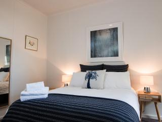 1 bedroom Condo with Internet Access in North Fitzroy - North Fitzroy vacation rentals