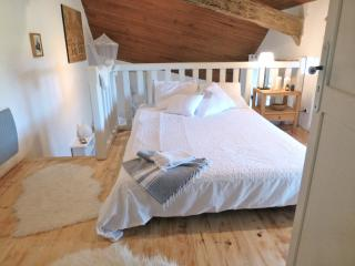 Nice Bed and Breakfast with Internet Access and Central Heating - Dausse vacation rentals