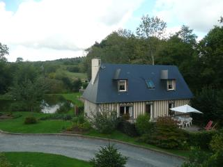 Cozy 2 bedroom House in Pont-L'Eveque with Internet Access - Pont-L'Eveque vacation rentals