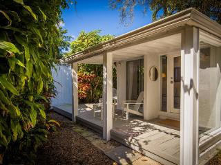 White Cottage in the Grove - Coconut Grove vacation rentals