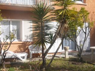 Appartement dans maison individuelle - Saint-Nazaire vacation rentals