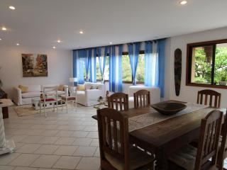 Charming apartment in Jardim Oceânico - Rio de Janeiro vacation rentals