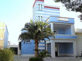 Cozy 3 bedroom Torre Suda House with Internet Access - Torre Suda vacation rentals