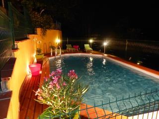 Adorable Gite in Auterive with A/C, sleeps 5 - Auterive vacation rentals