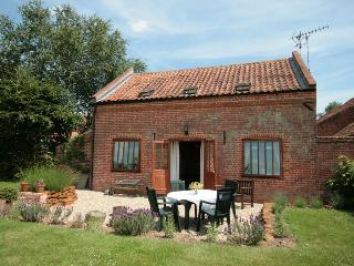 2 bedroom Barn with Central Heating in Erpingham - Erpingham vacation rentals