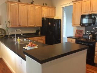 Charming 2 queen size bdrms on 2nd floor of home. - Charlotte vacation rentals