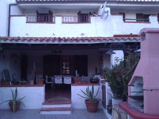 B&B CASA SARDEGNA 50 M DAL MARE - Capo Comino vacation rentals