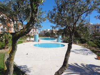 Appartement PRAZER - Standing - Piscine - 4 pers - Albufeira vacation rentals