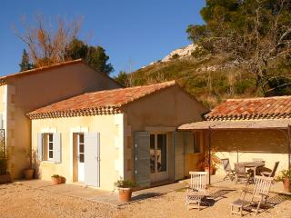 Nice House with Dishwasher and High Chair - Maussane-les-Alpilles vacation rentals