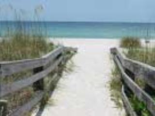 Cozy Affordable Condo - Only 1 Block from Beach - Indian Rocks Beach vacation rentals
