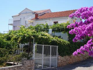 Romantic house Vinka with 2 apartments - Supetar vacation rentals