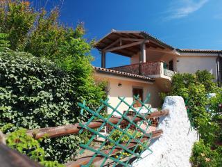 Appartamenti Ideal Bilocale 4 - Isola Rossa vacation rentals
