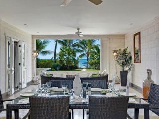 Contemporary 3 Bedroom Apartment in Paynes Bay - Paynes Bay vacation rentals