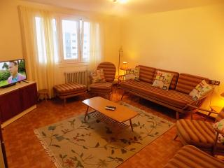 Peaceful Apartment in Ardia with Sea Views - O Grove vacation rentals