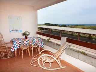 Appartamenti Ideal Trilocale 4 - Isola Rossa vacation rentals