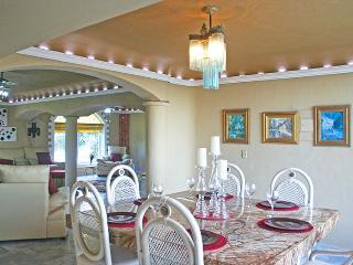 Beautiful 2 bedroom House in Puerto Morelos - Puerto Morelos vacation rentals